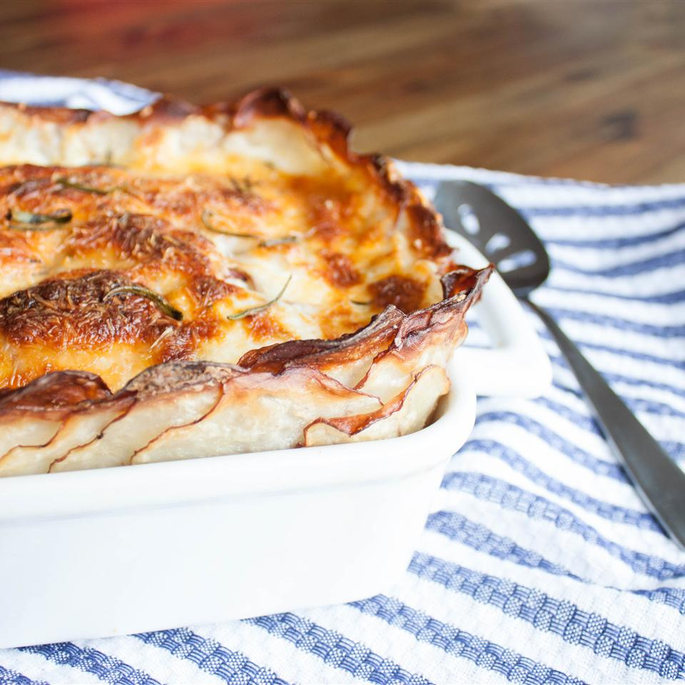 Fancy Crusted Rosemary Scalloped Potatoes