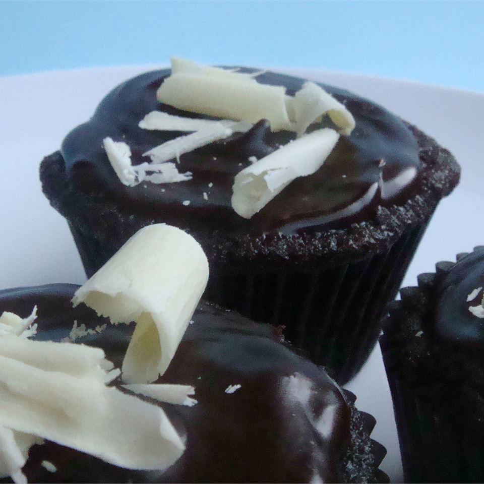 Ghirardelli® Dark Chocolate Cupcakes House of Aqua