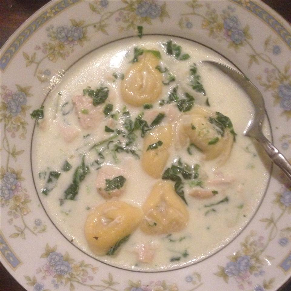 Easy and Quick Chicken Tortellini Soup