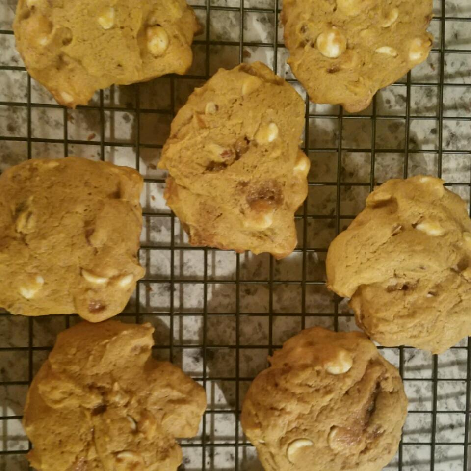 Pumpkin Pecan White Chocolate Cookies 1shg