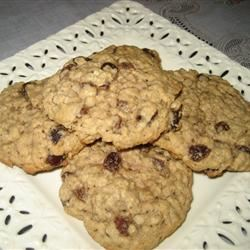 Beth's Spicy Oatmeal Raisin Cookies sereen