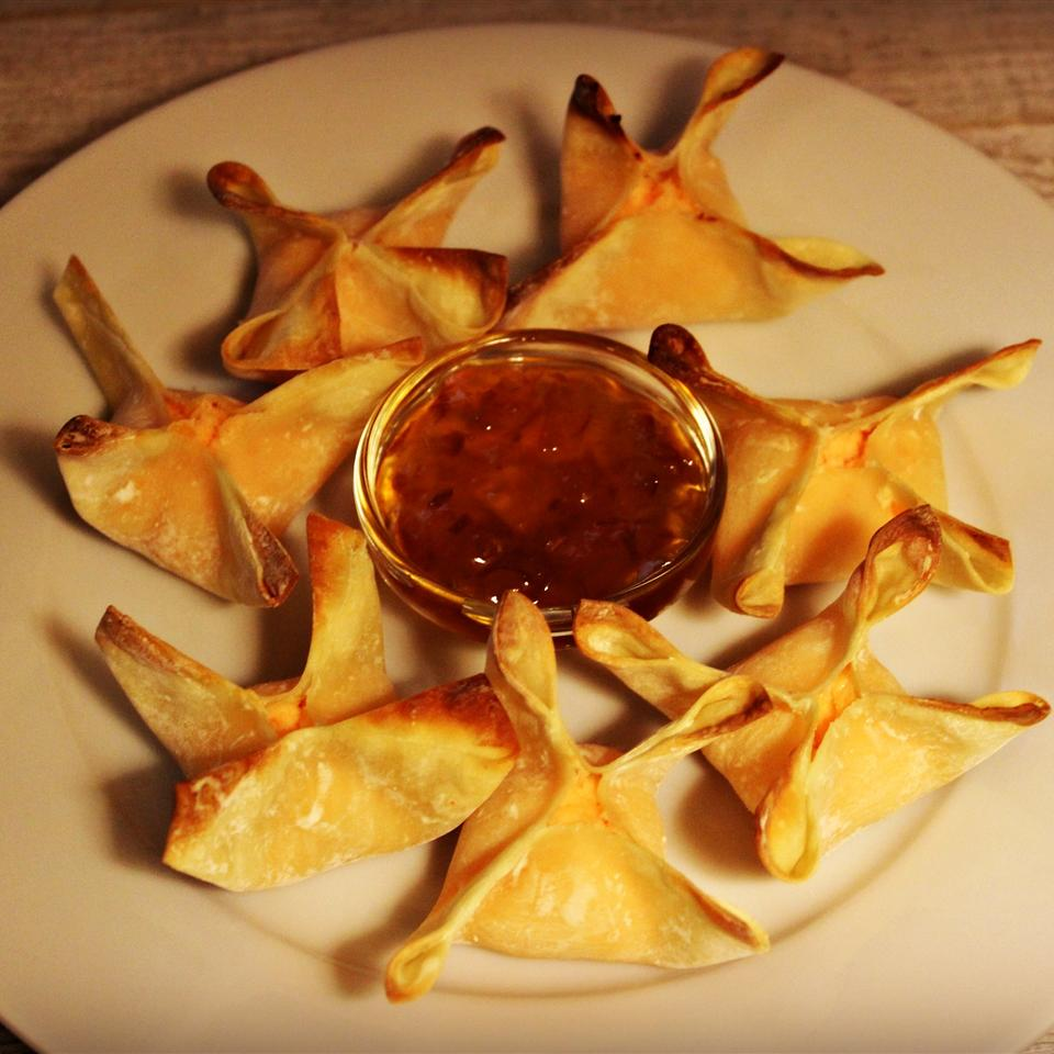 Baked Jalapeno Chicken and Cheese Wontons Diana71