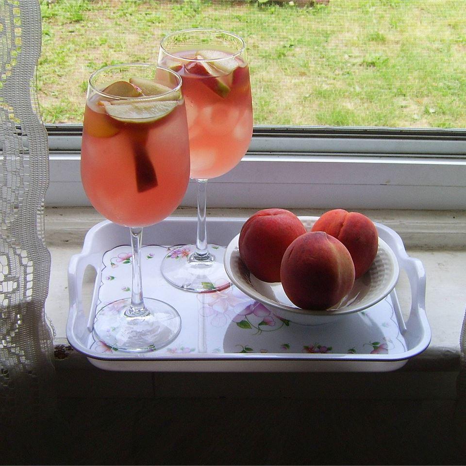 White Peach Sangria FOODINC5