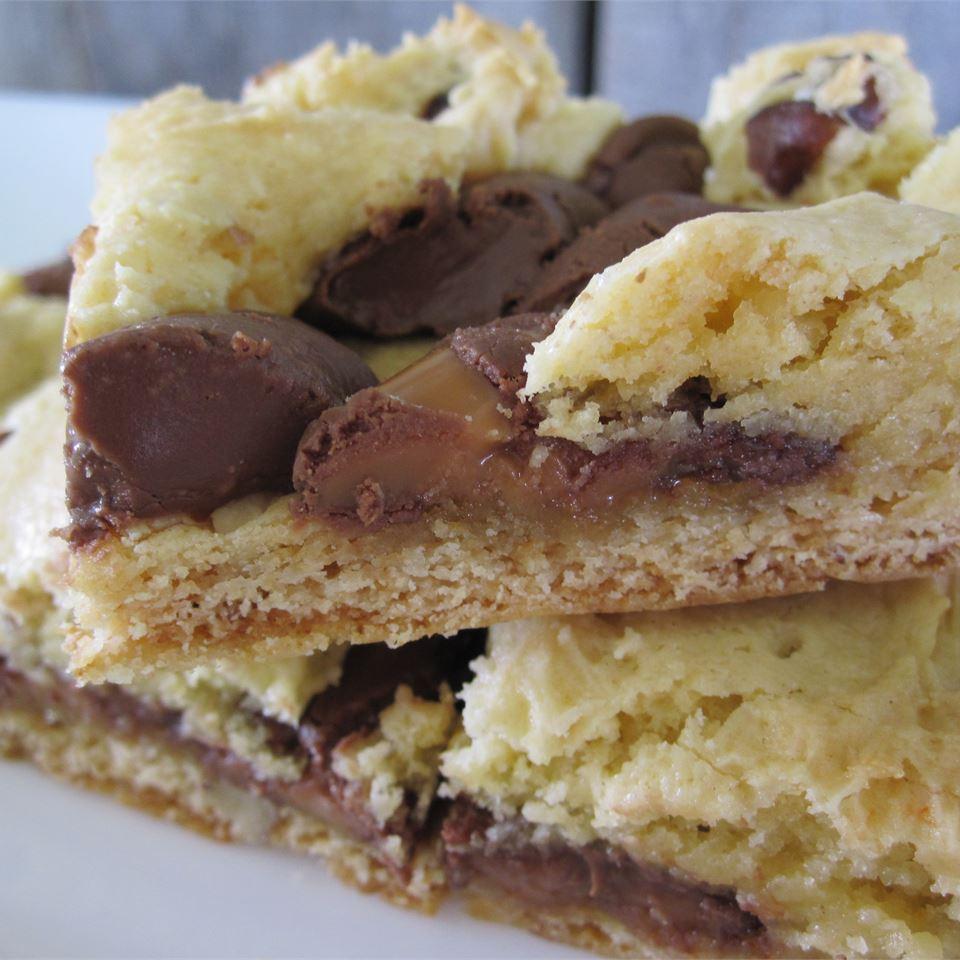 Chewy Rolo Cookie Bars MARBALET