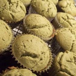Green-Tea Cupcakes NomNomDelicious