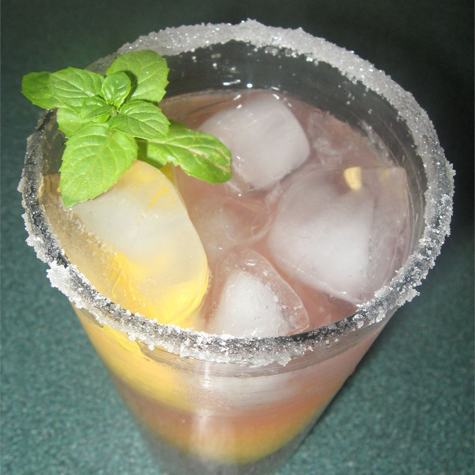 Old-Fashioned Pink Lemonade Kelly