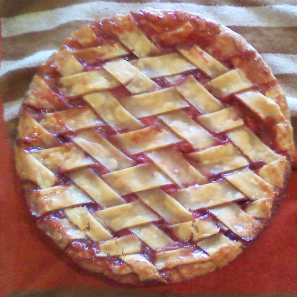 Orange-Kissed Strawberry Rhubarb Pie