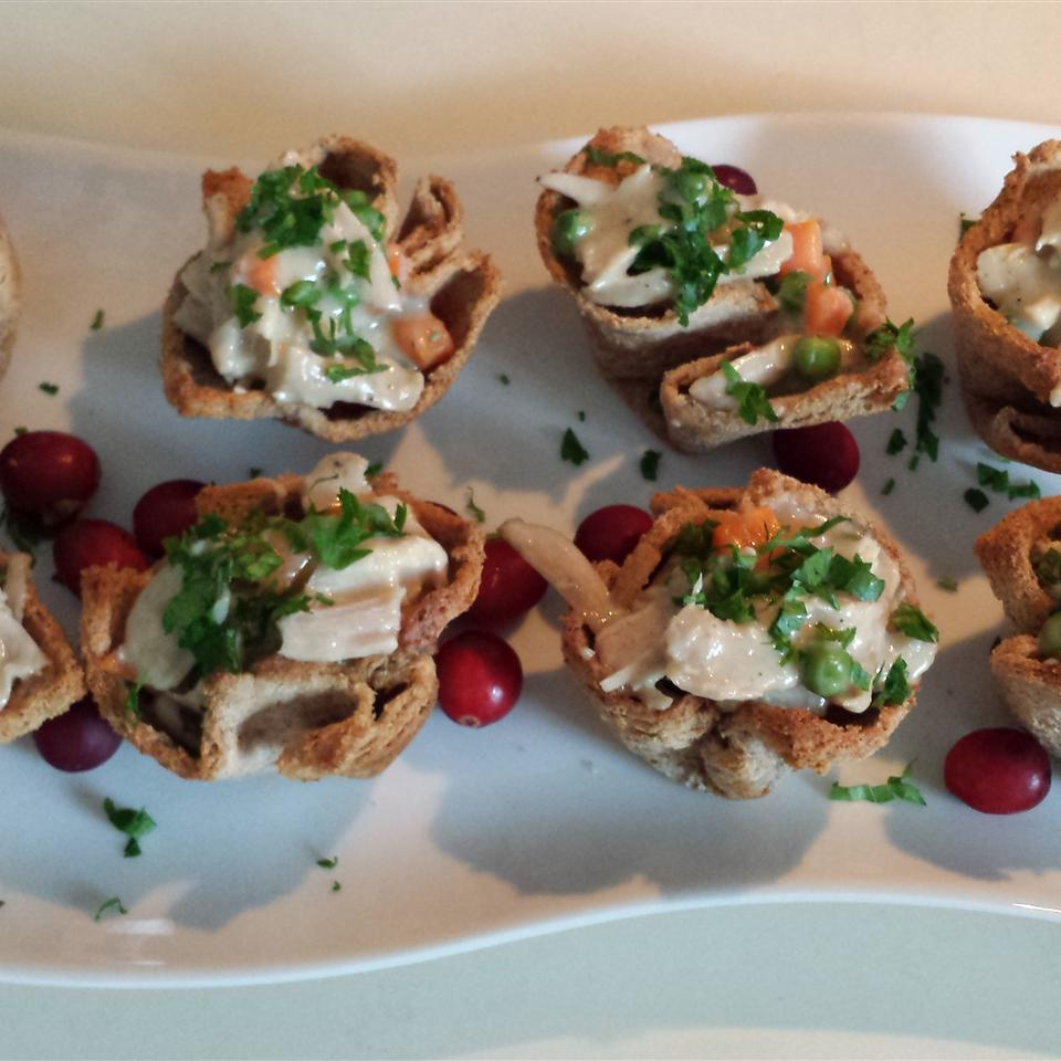 Creamed Turkey in Toast Cups Casablancaise