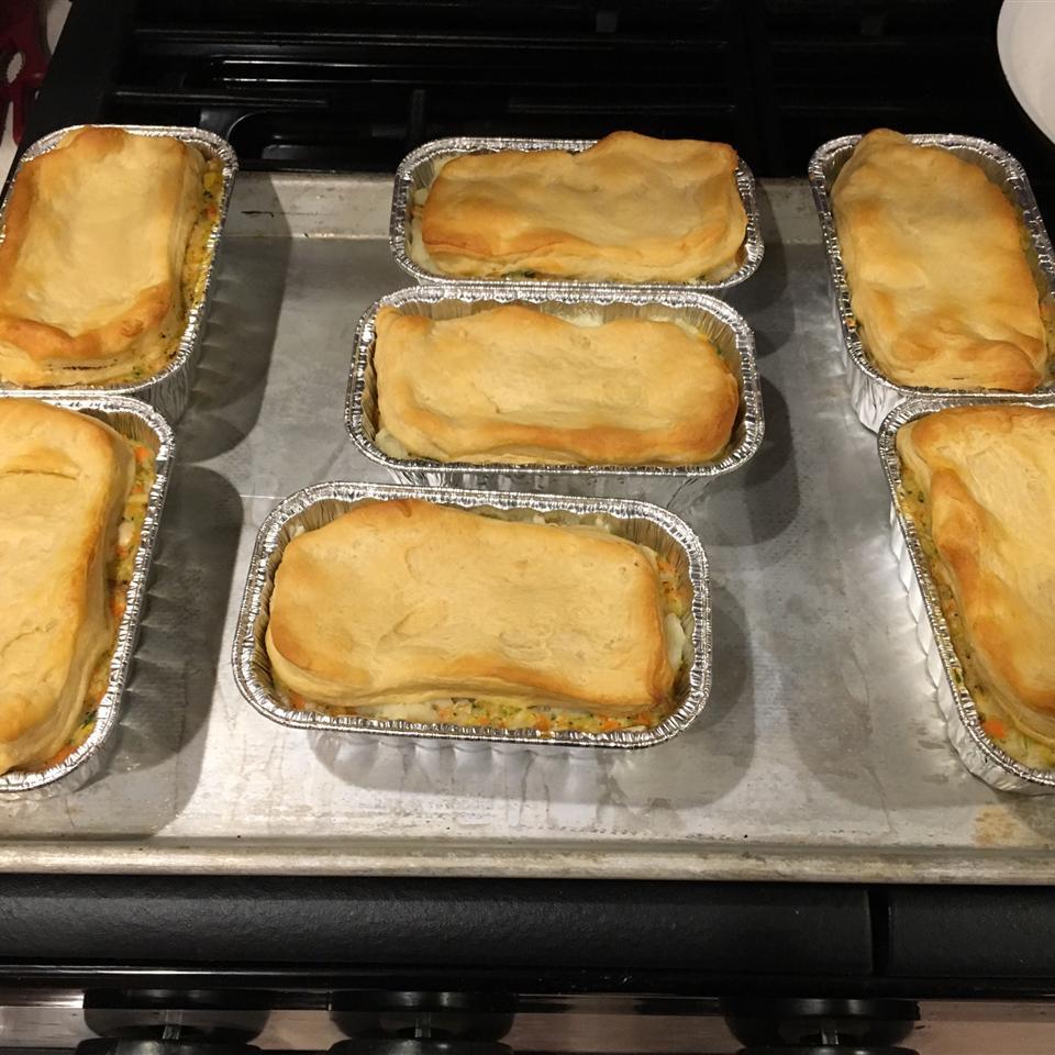 Easy Leftover Thanksgiving Turkey Pot Pie flahertyB