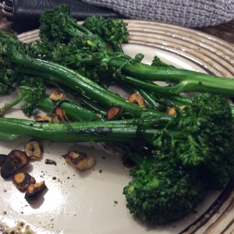 Simple Broccolini jade
