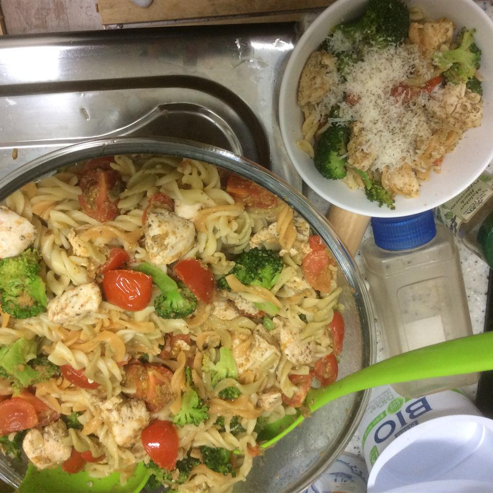 Pasta, Broccoli and Chicken Sweet Tooth