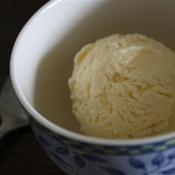 Five Ingredient Ice Cream kellyinthevalley