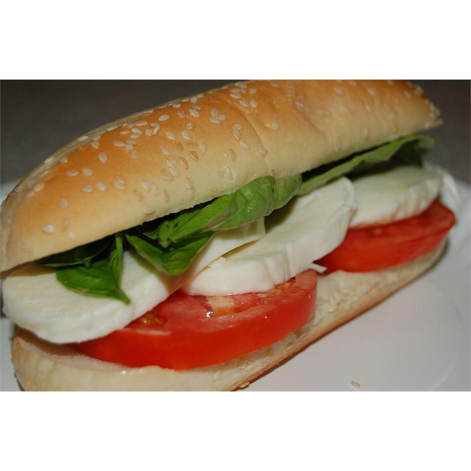 Basil, Tomato and Mozzarella Sandwich My4boys