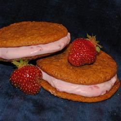 Frozen Strawberry Cheesecake Sandwich Cookies Pam Ziegler Lutz