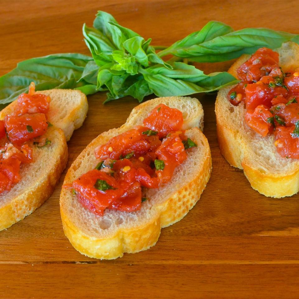 Hunt's® Easy Tomato Bruschetta Lela