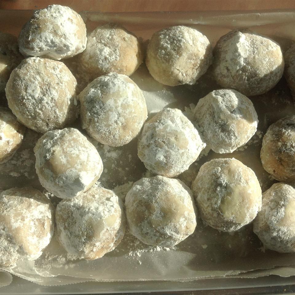 Grandma Minecci's Snowball Cookies mz