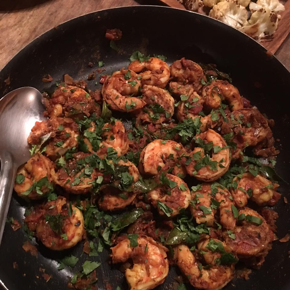 Authentic and Easy Shrimp Curry Anonymous