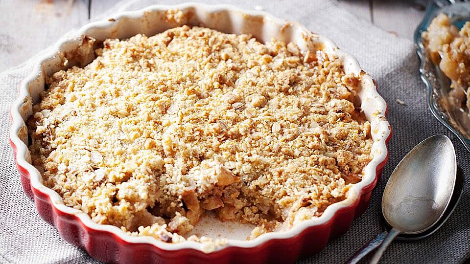 Apple Pie Streusel Cake