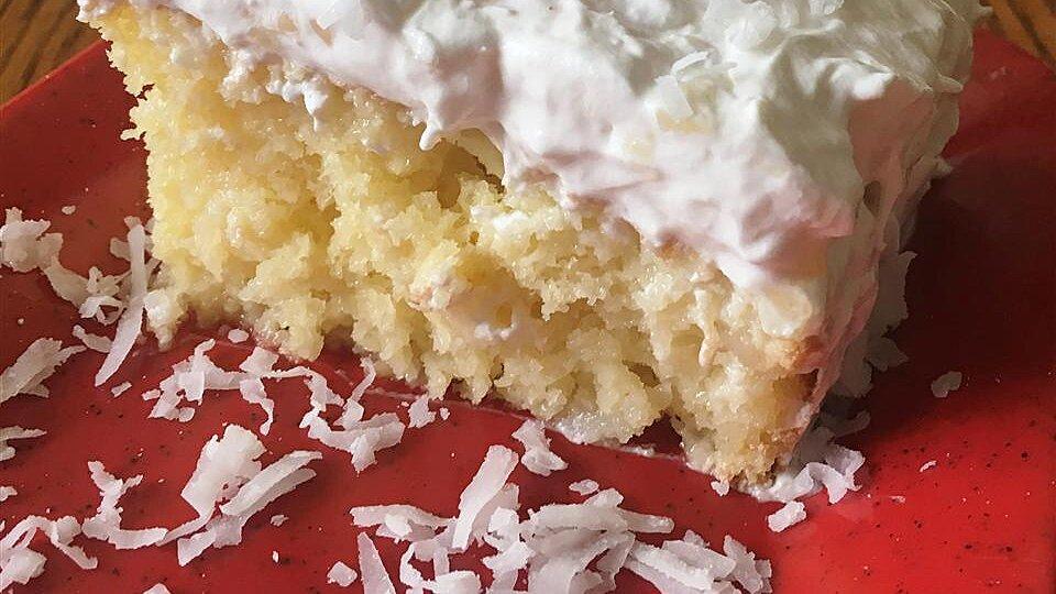 Pina Colada Coconut Rum Cake