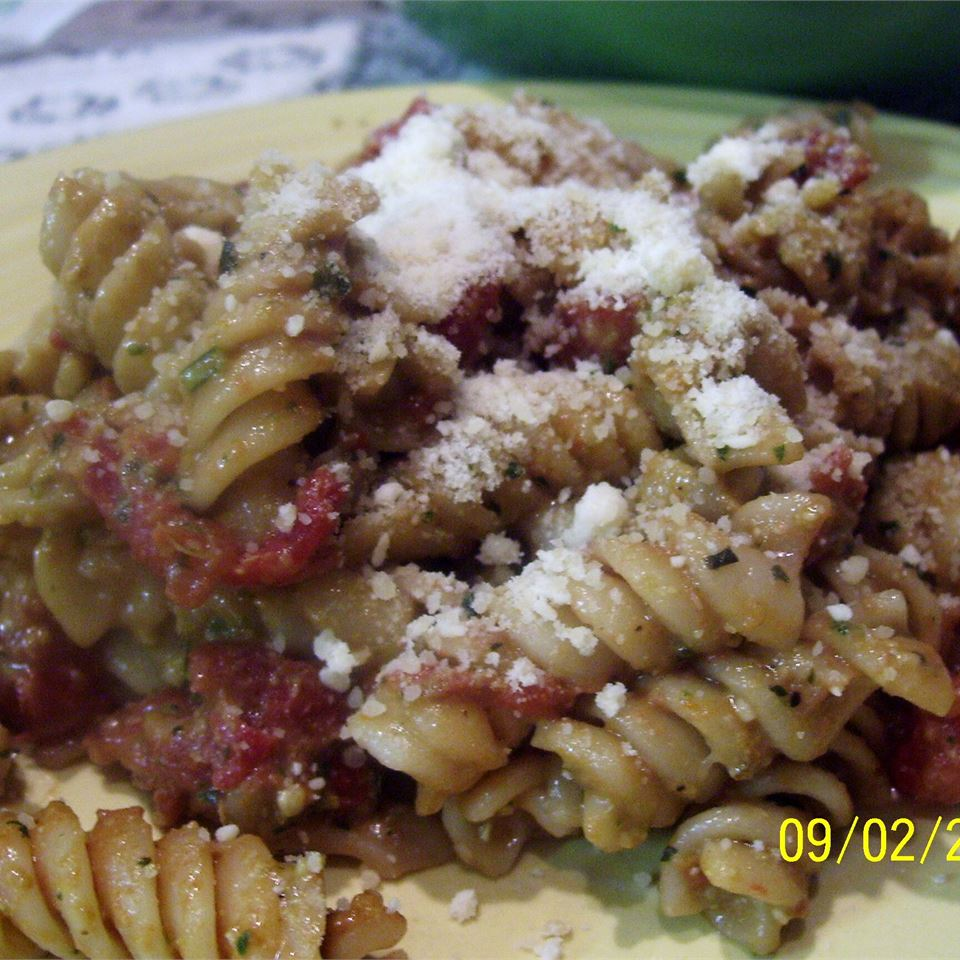 Easy Fusilli with Tomato Pesto Sauce mommymeggy