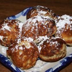 Dansk Aebleskiver (Danish Doughnuts) MRSJPVAN2