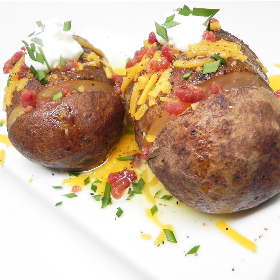 Loaded Hasselback Potatoes Semigourmet