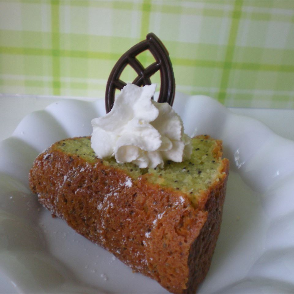 Poppy Seed Bundt Cake II TheBritishBaker