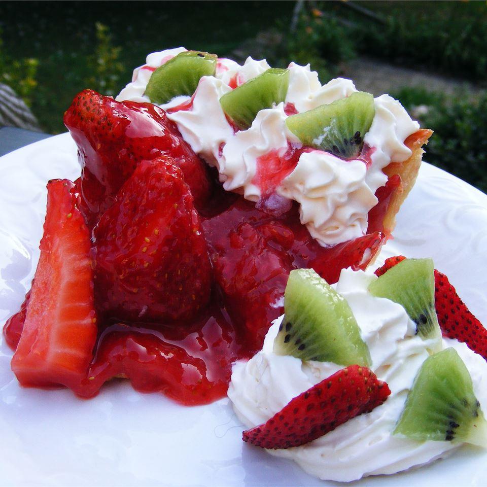 Sky-High Strawberry Pie abapplez