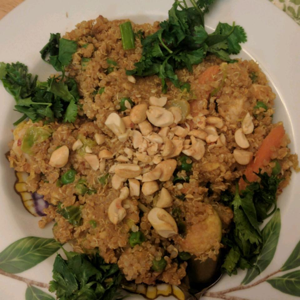 Pad Thai Quinoa Bowl