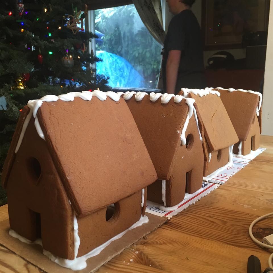 Building Gingerbread savage girls