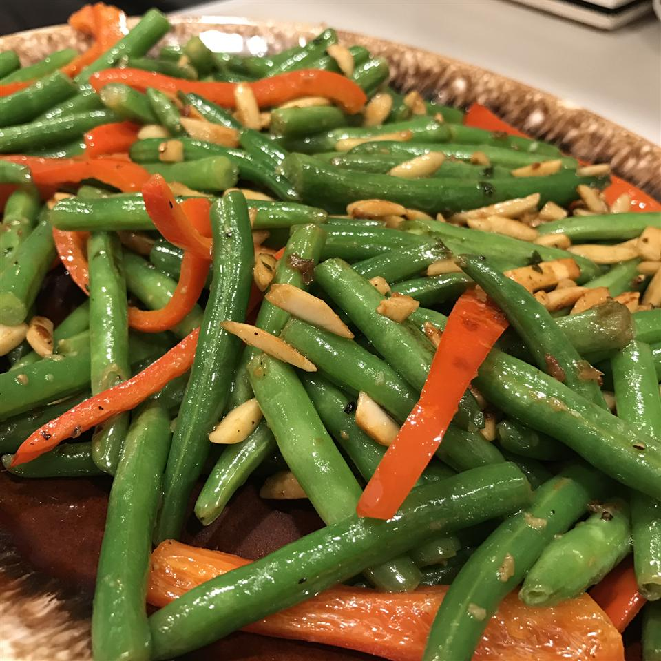 Red Pepper Green Bean Almondine chonikel