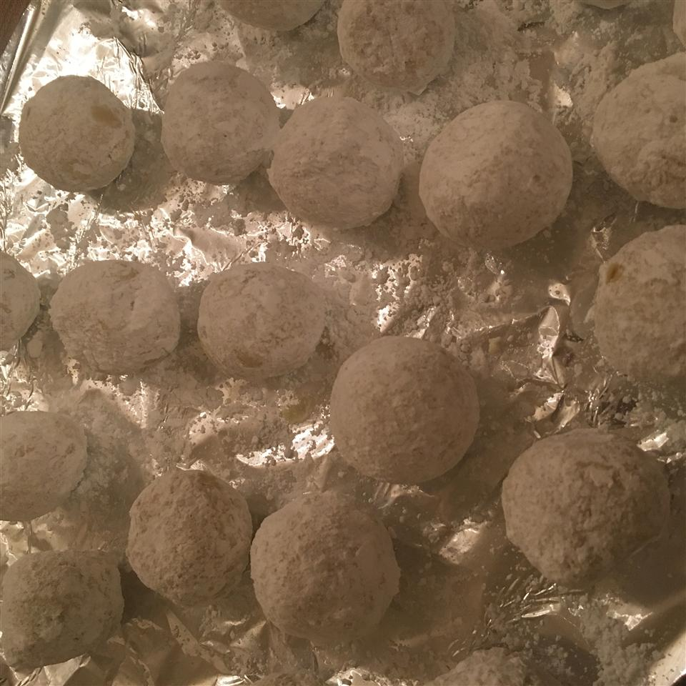 Grandma Minecci's Snowball Cookies mommacancook505