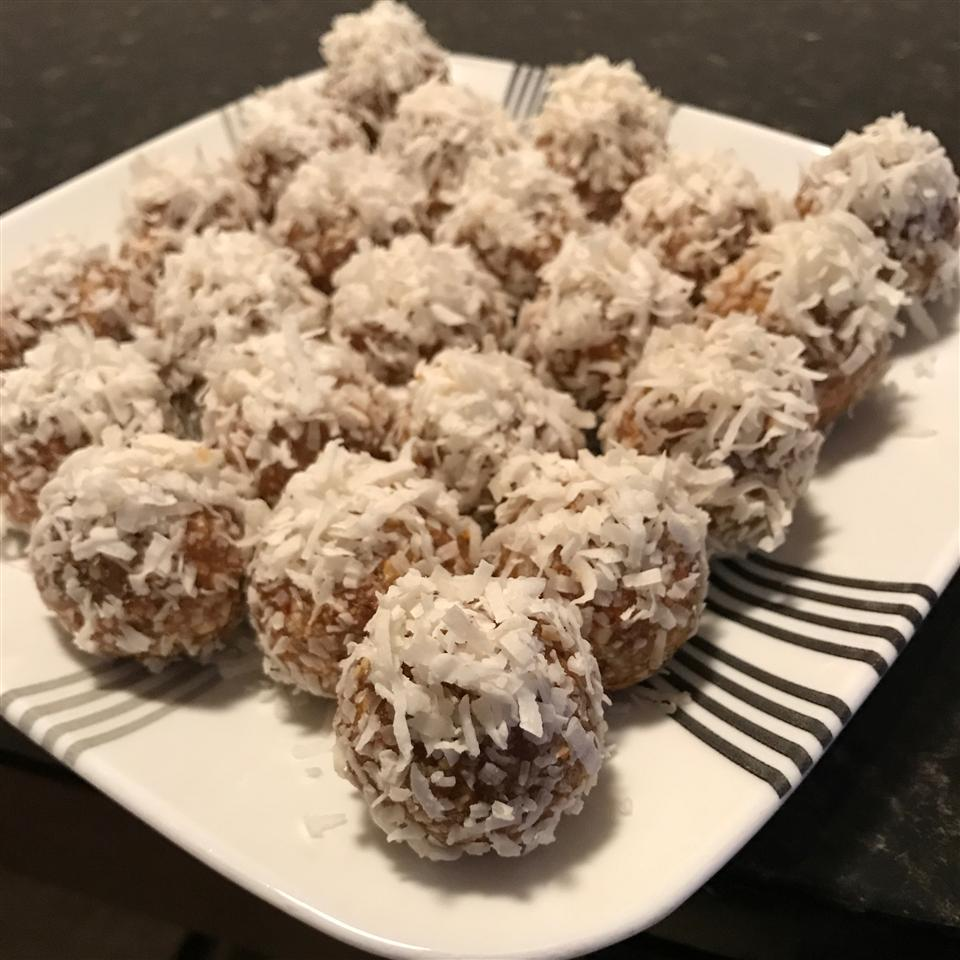 Vegan Date and Cashew Dessert Innachka