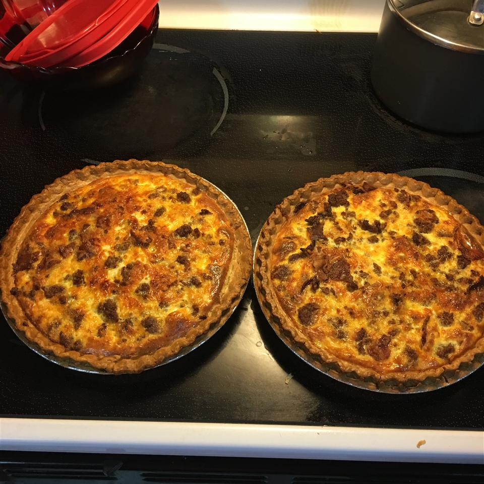 Easy Bacon and Cheese Quiche ShaQuinna1