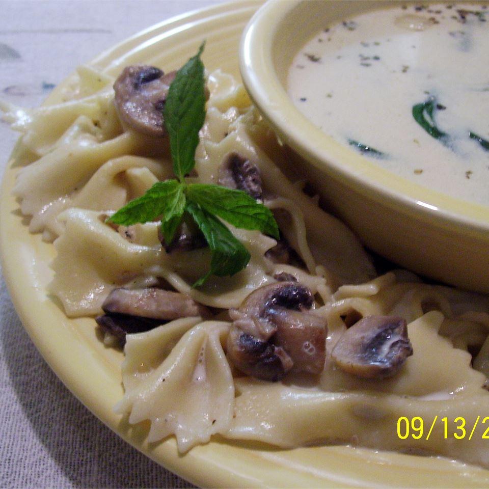 Mushroom Mint Pasta Salad mommymeggy