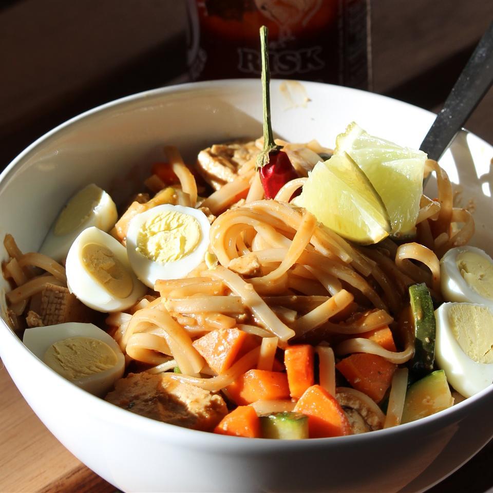 Pad Thai Noodles Bud W