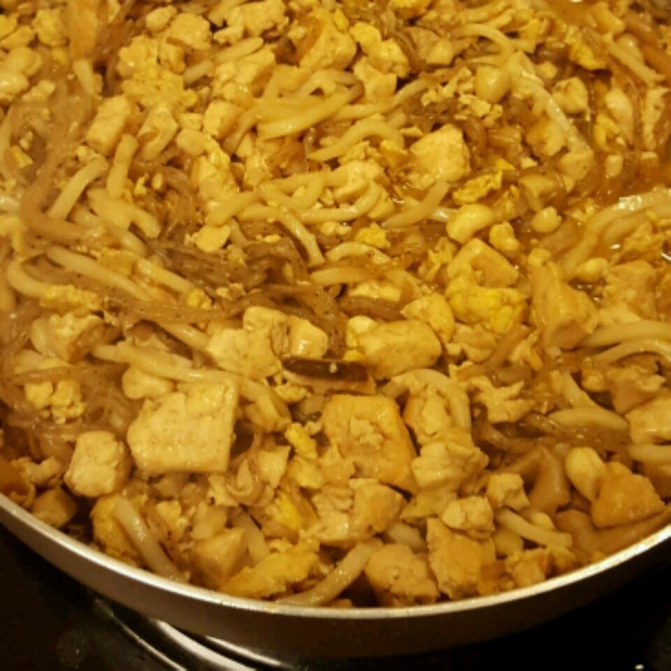 Shirataki Meatless Meat Pad Thai sadgab