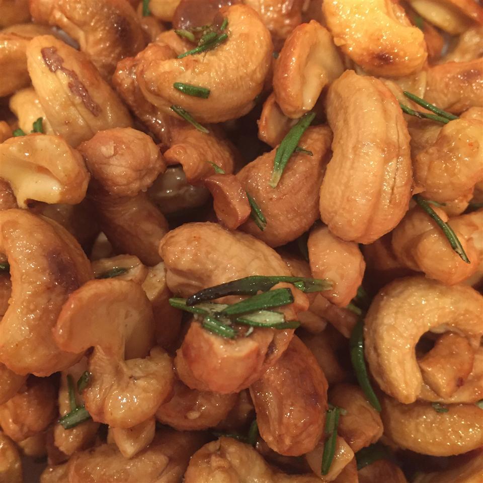 Rosemary Roasted Cashews amroberts81