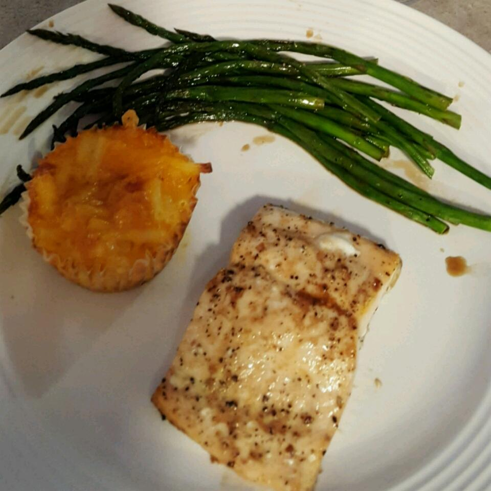 Soy-Honey Glazed Salmon with Asparagus Tracey Mortensen