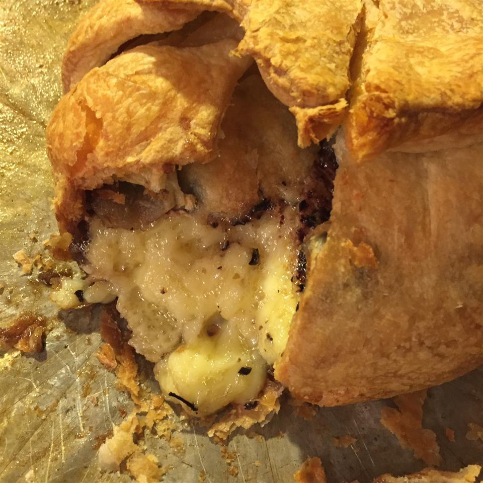 Raspberry Walnut Baked Brie Jmcneill73