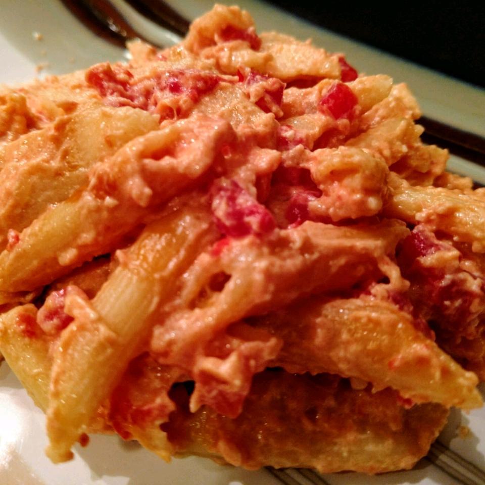 Slow Cooker Macaroni and Cheese Ashley Nicholson