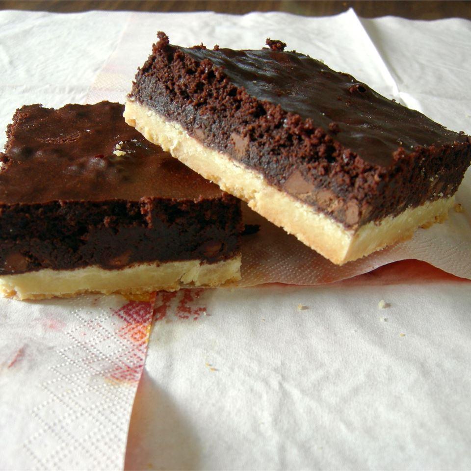 Gooey Brownies with Shortbread Crust FUNLETA