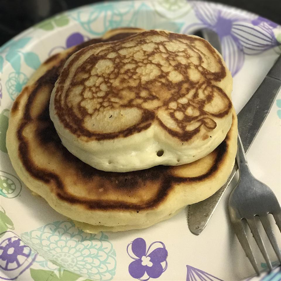 Extra-Yummy Fluffy Pancakes hugh