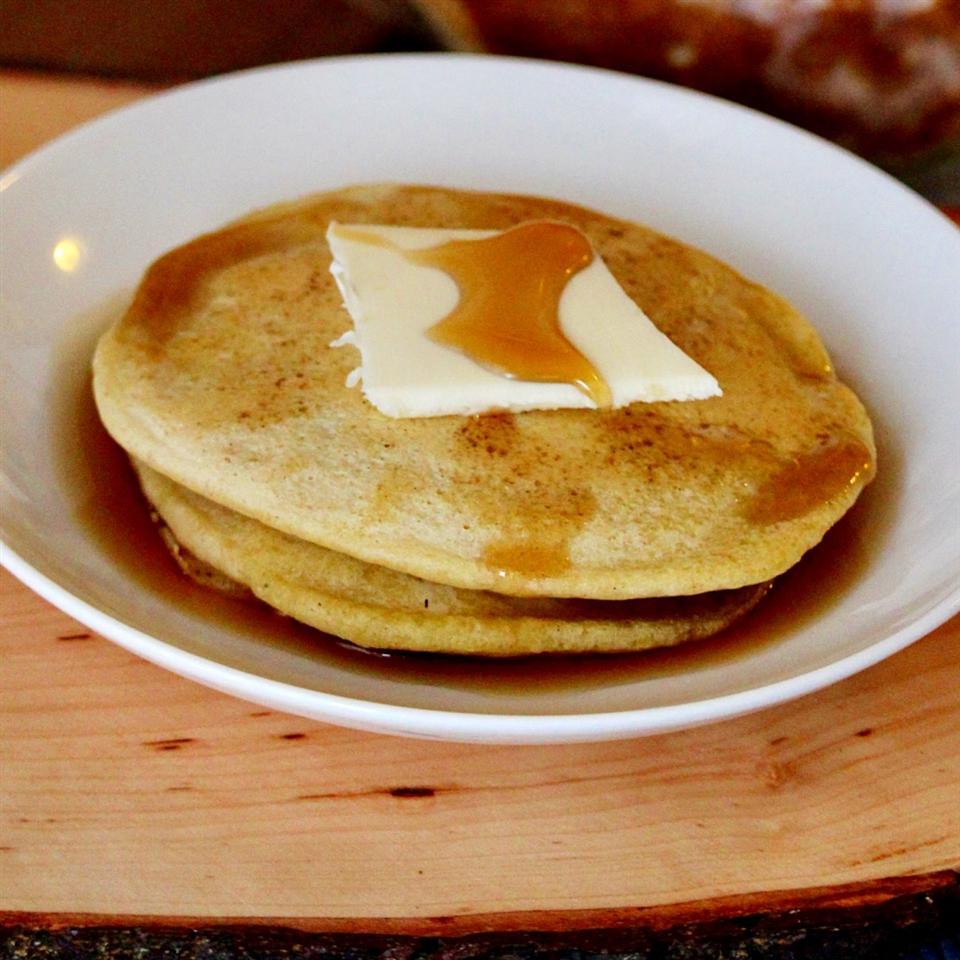 Gluten-Free Naturally Sweetened Banana Pancakes