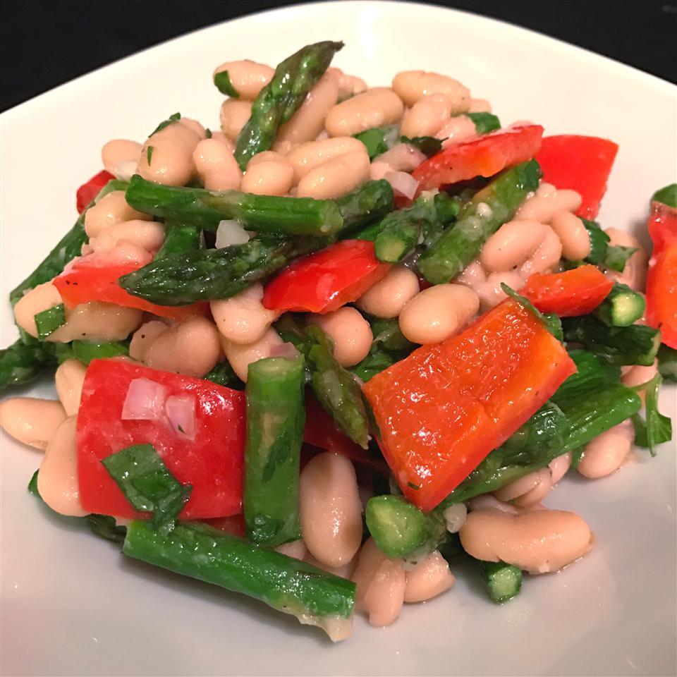 Fresh Asparagus and White Bean Salad