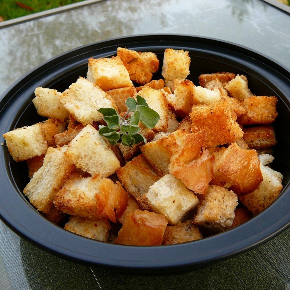 Garlic Croutons
