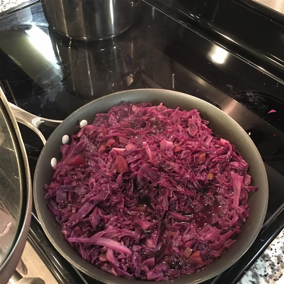Grandma Jeanette's Amazing German Red Cabbage chefcharlie4