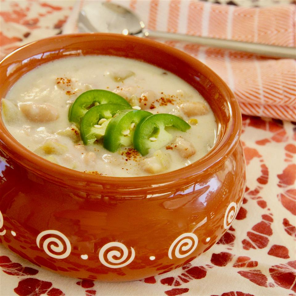 Creamy White Bean and Green Chile Soup