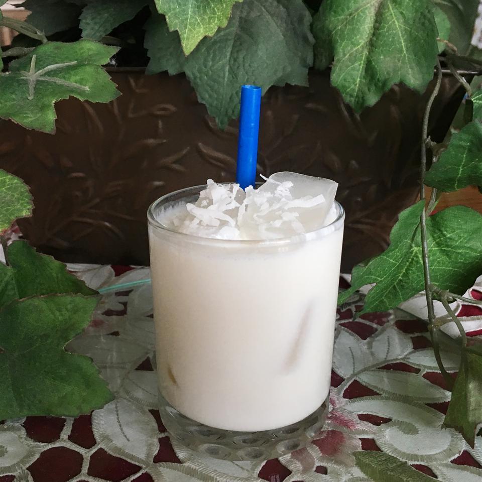 Batida de Coco Rapida (Brazilian Coconut Cocktail)