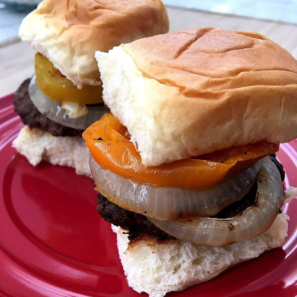 Stuffed Angus Sliders with Heirloom Tomato and Onions Elizabeth